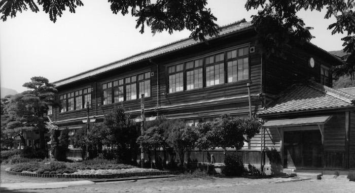 日本の義務教育の歴史を紐解くと国家の目的(洗脳教育)が見えてくる