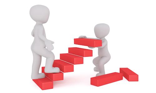 マズローの欲求5段階説とターゲティングへの応用を事例を挙げて解説